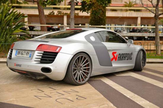 Audi R8 quattro  V10  5,2  FSI  Accélération 0 à 100 km:k en 3,4 s