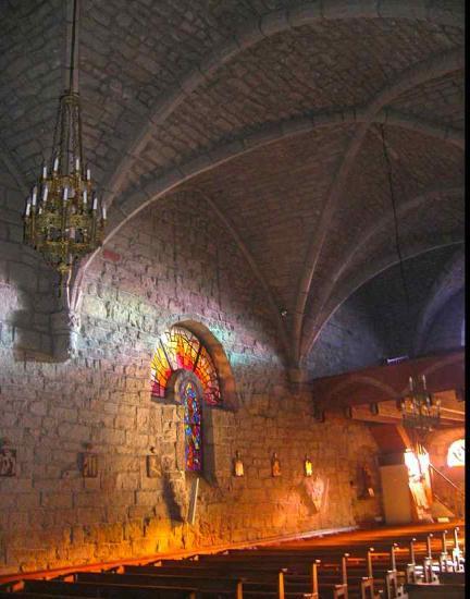 Aumont -Aubrac ntérieur de l'église