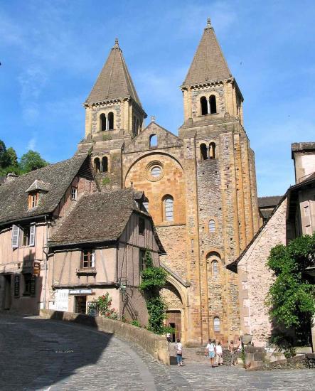 Conques, l'abbatiale chef-d'oeuvre de l'art roman du Sud de la France