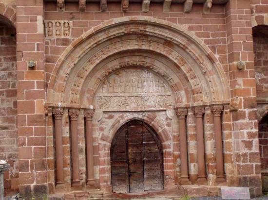 Espalion, église de Perse, le portail