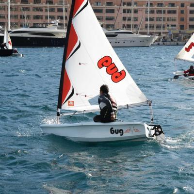 Monaco, école de voile dériveur Laser Bug