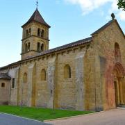 L'église romane Sts Pierre et Paul date du début du 12° siècle