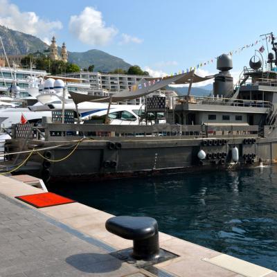 Bateaux de guerre et voiliers