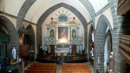 Le choeur de l'église vue depuis les tribune