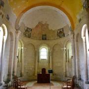 Le choeur voûté en berceau et l'abside en cul de four
