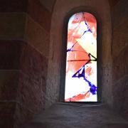 Les 7  vitraux contemporains de la nef datent de 2008 et...