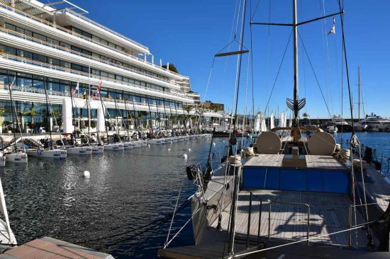 Les Melge 20 sont amarrés devant le Yacht Club de Monaco