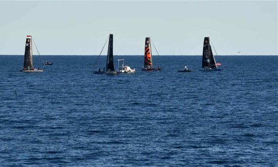 Les quatres catamarans prêts à s'affronter