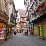 Rue des Marchands, au fond le Fer Rouge